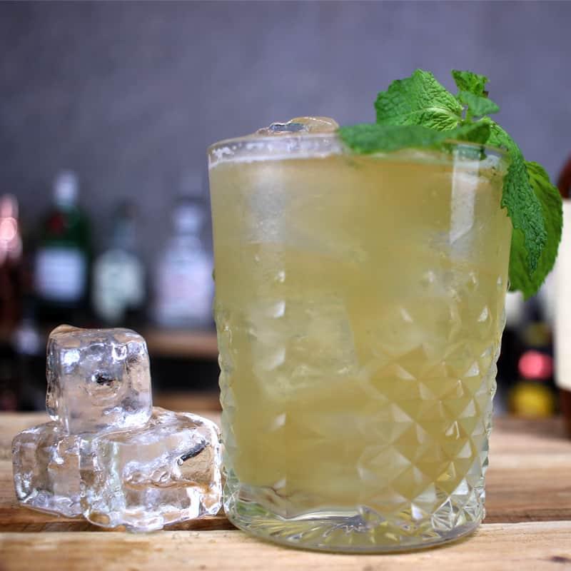 Whiskey Smash Cocktail Reci